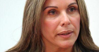 """Eveling de Rosales: """"No podemos pisar el peine de la abstención"""""""