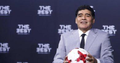 """Maradona desea que los jugadores argentinos sepan """"cuánto pesa la Copa"""" del Mundo"""