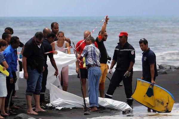 Muere un surfista atacado por un tiburón en la isla francesa de La Reunión