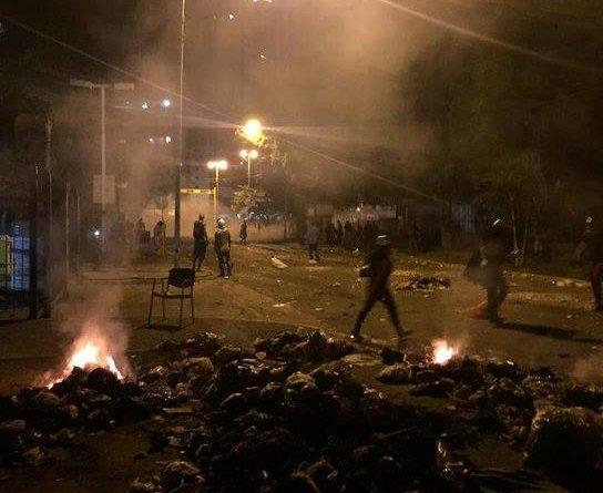 Maracay bajo tensión: Reportan saqueos y fuerte represión este #26jun (VIDEOS)