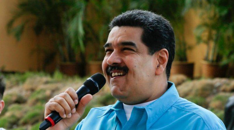 Maduro acusa a Portugal de sabotear entrega de pernil en Venezuela