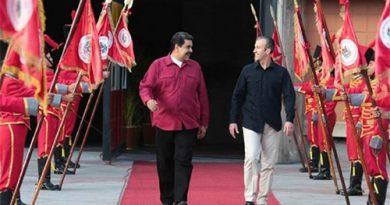 """Maduro afirma que considera """"cerrar toda vía de comunicación"""" con Aruba, Curazao y Bonaire"""