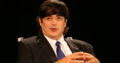 Guillermo del Toro creará otra serie para Netflix