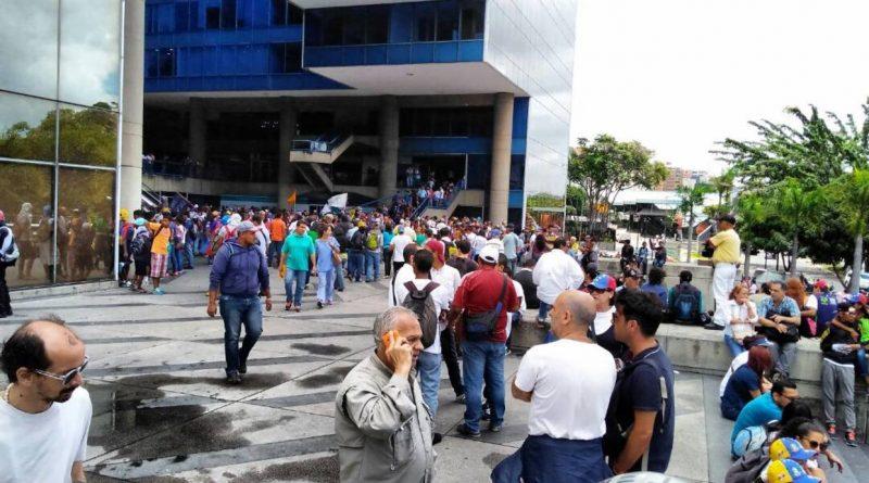 Convocan a protestar el sábado por muertes en El Junquito