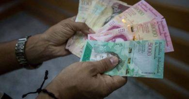 Preocupación en Venezuela por los efectos de nuevo aumento salarial