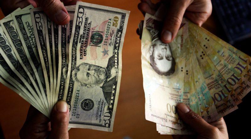 José Guerra: El gobierno puso la economía en manos del dólar paralelo