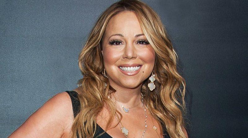 """La cantante y actriz Mariah Carey puede que tenga una nueva obsesión: las infusiones calientes. Es por ello, que la artista ha decidido emprender en el mundo de las infusiones sacando a la venta su propia línea de té. (Lee también: """"Tres anuncios por un crimen"""" triunfa en los SAG Awards) Según la revista The National Enquirer, Carey se vio inspirada a lanzar sus propios productos """"después del incidente en la víspera de Año Nuevo en Nueva York, cuando exigió que le llevaran un té caliente durante el evento anual de Dick Clark con Ryan Seacrest, en donde cantó"""". """"Me dijeron que habría té"""", dijo. """"Oh, es un desastre. Está bien, bueno, tendremos que pasarlo mal. Voy a ser como todos los demás, sin té caliente"""", comentó antes de su presentación. El suceso se volvió viral, con los usuarios de redes sociales creando memes de Carey pidiendo té. Pronto se conocerá toda la colección."""