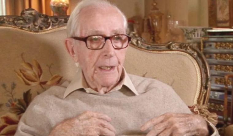 Falleció a los 97 años Lewis Gilbert, director de las películas de James Bond (+Video y fotos)