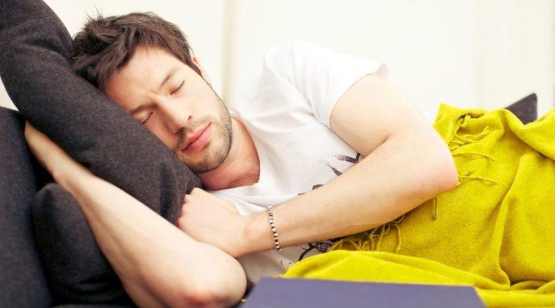 Conoce el trastorno de sueño que cada vez afecta a más personas: la ortosomnia