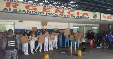 Personal del Pérez Carreño protestó para exigir salarios dignos