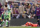 Barcelona cae en casa contra Betis pese a regreso de Messi