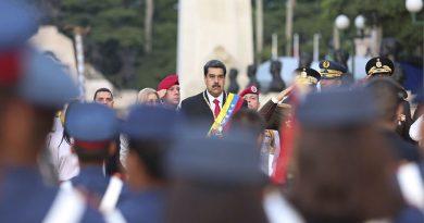 Maduro acusa a jefe del Comando Sur de EEUU por intrigar a militares venezolanos