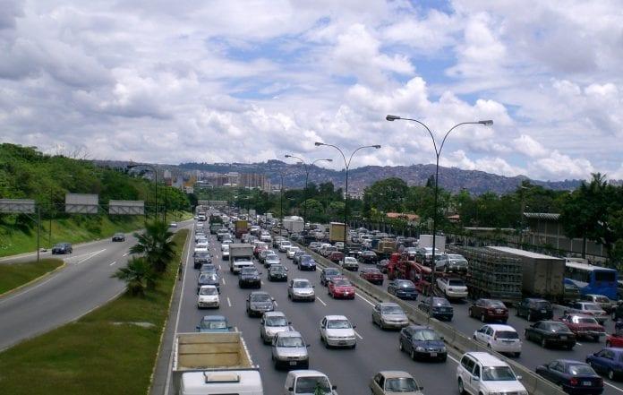 Érika Farías quiere cambiar nombre de la autopista Francisco Fajardo.. Video