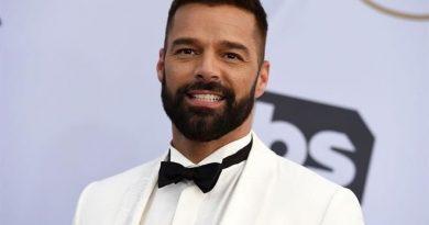 Ricky Martin estrena su nuevo sencillo Tiburones.. VIDEO