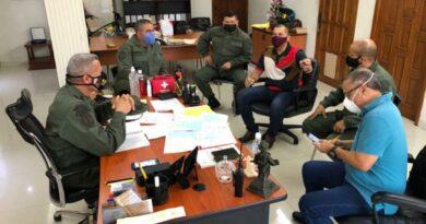 *Gobernador Omar Prieto evaluó junto a autoridades militares y policiales nuevas estrategias para abordar la pandemia en la entidad*