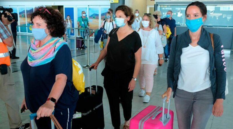 Comienzan los controles de salud a los pasajeros que lleguen a España