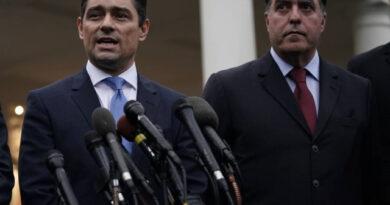 Maduro emite orden de aprehensión contra Carlos Vecchio, Julio Borges y Vanessa Neumann