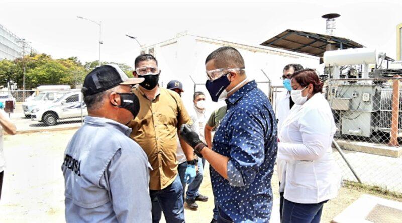 *Gobernador Omar Prieto inspeccionó sistema de autogeneración eléctrica del Hospital Universitario de Maracaibo*