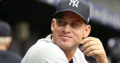 Carlos Mendoza será el primer venezolano en dirigir a los Yankees