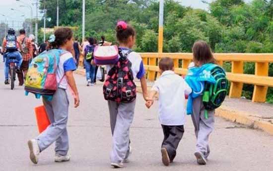 Bolivia investiga posible alquiler de niños venezolanos para pedir limosna