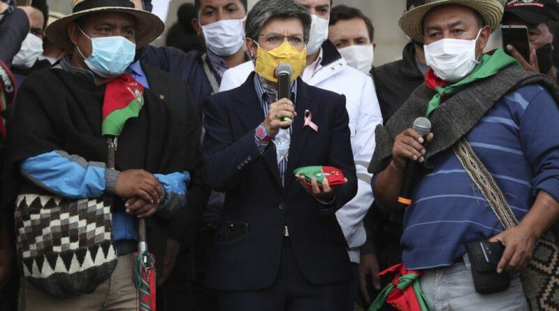 Claudia López vuelve a alborotar el avispero con un tuit sobre xenofobia